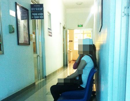 Nhiều thiếu nữ đến bỏ thai tại phòng khám vị thành niên Trung tâm Chăm sóc sức khỏe sinh sản TP HCM. Ảnh: Thiên Chương