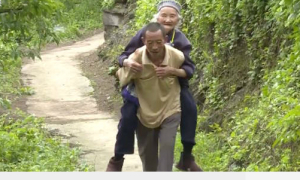 Người đàn ông chăm mẹ vợ suốt 40 năm