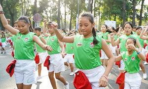Trẻ 6-12 tuổi nên chơi thể thao 3 lần mỗi tuần