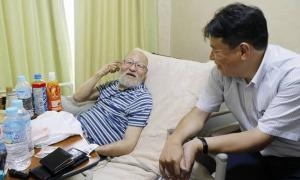 Người Nhật 'bơ vơ' khi về già