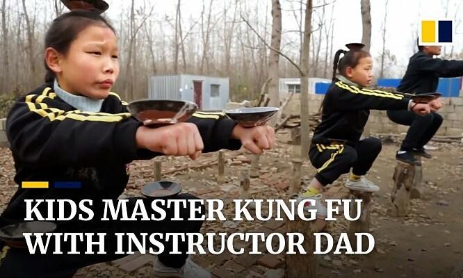 Bố truyền kungfu cho ba con
