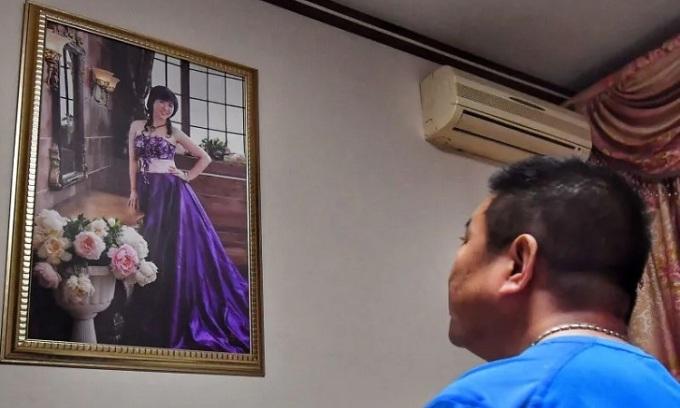 Người đàn ông quyết chờ ngày vợ hồi sinh