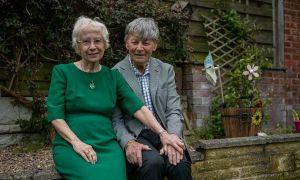 Cặp đôi 80 tuổi bắt đầu lại tình yêu từ thời mẫu giáo