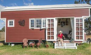 Người phụ nữ tự xây nhà vì chán cảnh nợ nần