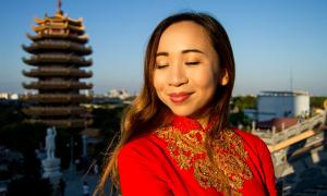 Cô gái Thụy Điển trả ơn Việt Nam sau khi tìm được mẹ
