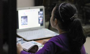 Xâm hại trẻ em trên mạng - vấn nạn trong đại dịch